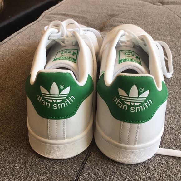 stan smiths size 10